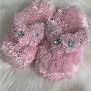 Other - Girls furry jewel slippers